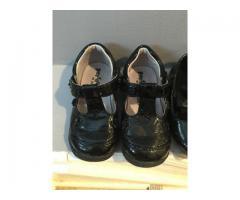 Paire de sandale fillette